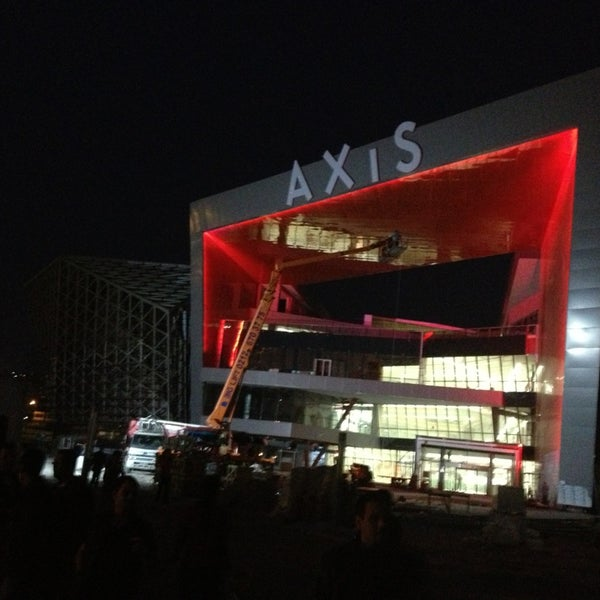 5/17/2013 tarihinde Yahyaziyaretçi tarafından Axis'de çekilen fotoğraf