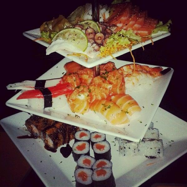 Foto tirada no(a) Brava Sushi por Guilherme C. em 9/16/2012