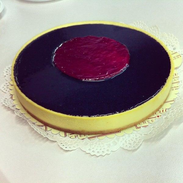 3/13/2013 tarihinde Elifziyaretçi tarafından Maria's Cheesecakes'de çekilen fotoğraf