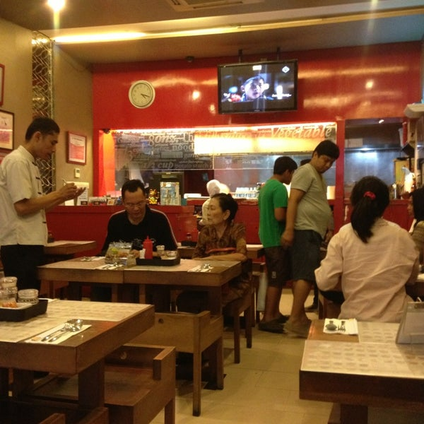 Photo taken at Chopstix by alam r. on 6/30/2013