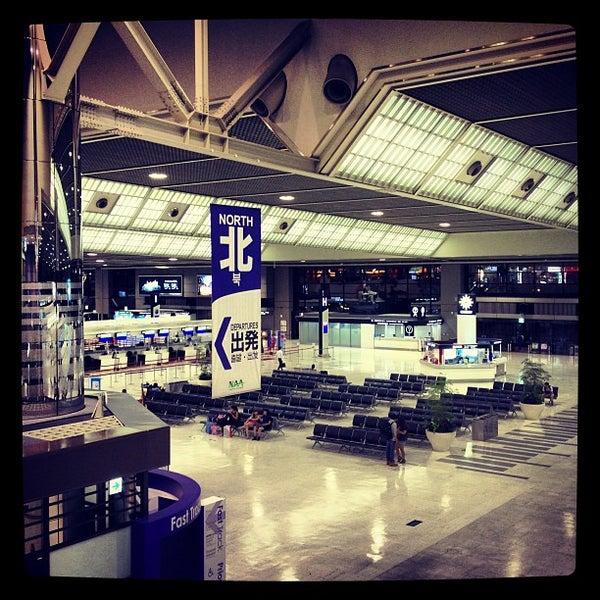 Photo taken at Narita International Airport (NRT) by reo on 8/28/2013