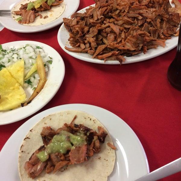 Foto tomada en Restaurante El Matador por Alejandra K. el 2/8/2015