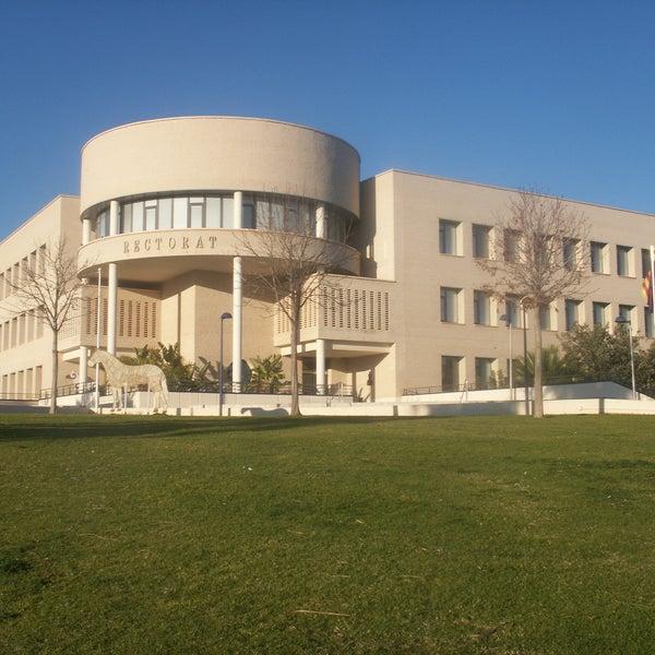 Una gran universidad
