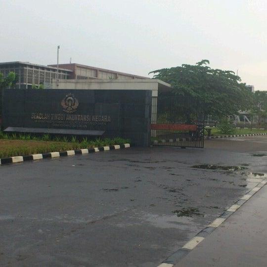 Photo taken at Sekolah Tinggi Akuntansi Negara (STAN) by Nur S. on 10/19/2012