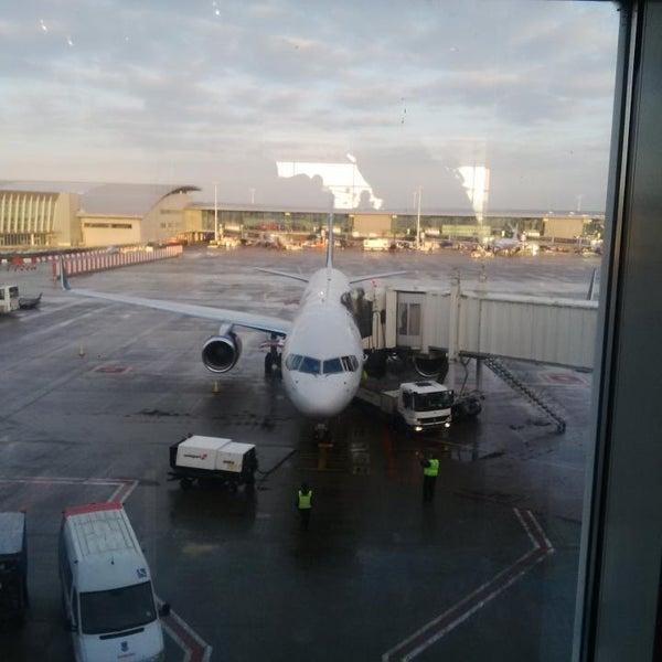 Снимок сделан в Брюссельский аэропорт (BRU) пользователем Emerson B. 12/30/2014