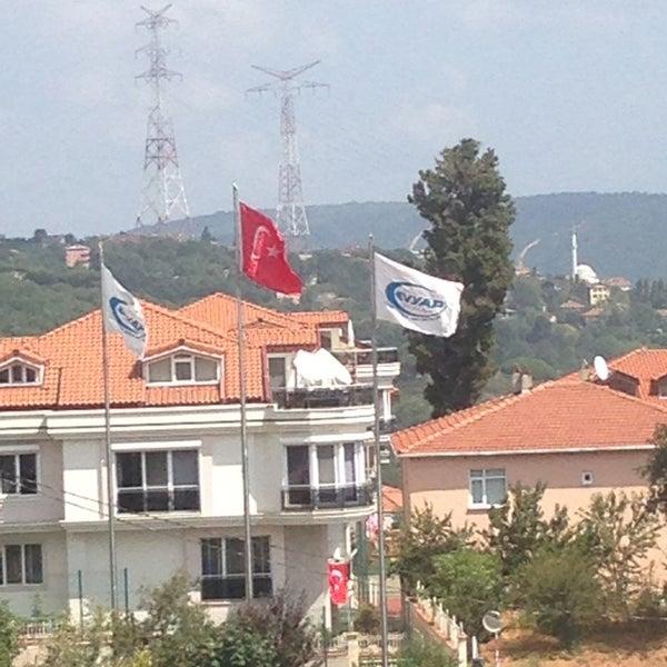8/22/2013 tarihinde Sinemziyaretçi tarafından Sarıyer Evyap Koleji'de çekilen fotoğraf