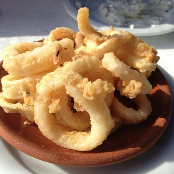 3/3/2013 tarihinde Bulent K.ziyaretçi tarafından Cunda Deniz Restaurant'de çekilen fotoğraf