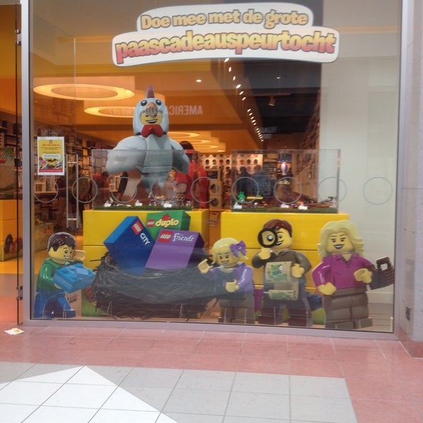 Photo taken at LEGO Store by Didier V. on 3/18/2015
