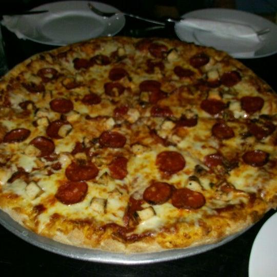 Photo taken at Ronny's Pizza Saburtalo | რონის პიცა საბურთალო by Ele T. on 1/12/2013