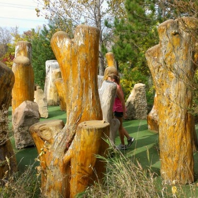 Photo taken at Big Stone Mini Golf & Sculpture Garden by Peter A. on 9/30/2012