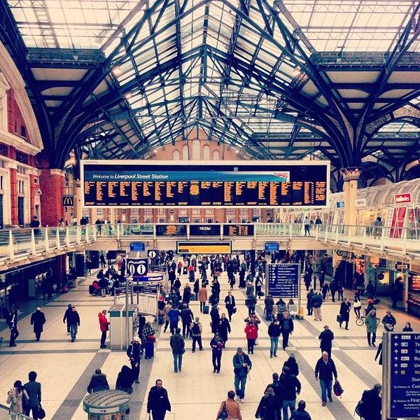 Photo taken at London Liverpool Street Railway Station (LST) by 15Richmondpark on 4/3/2013