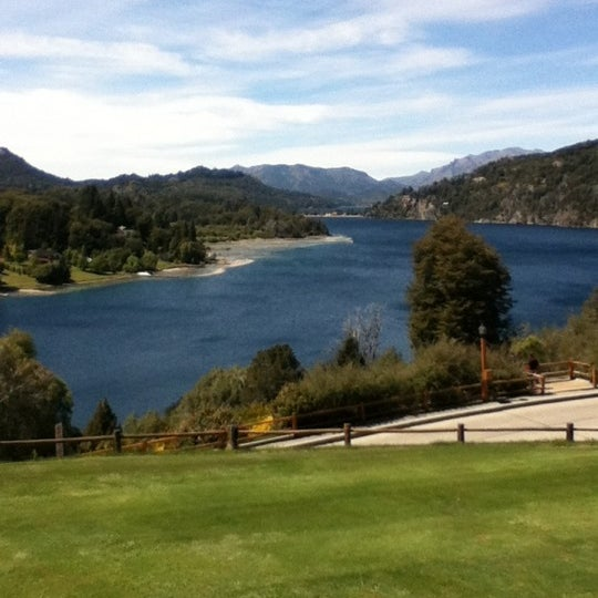 รูปภาพถ่ายที่ Llao Llao Hotel & Resort โดย Ana Luiza S. เมื่อ 11/4/2012