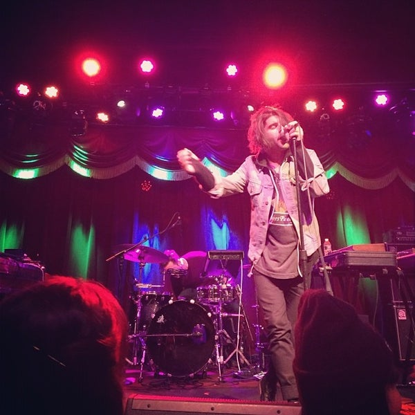 Photo taken at Brooklyn Bowl by Chelsea on 11/11/2013