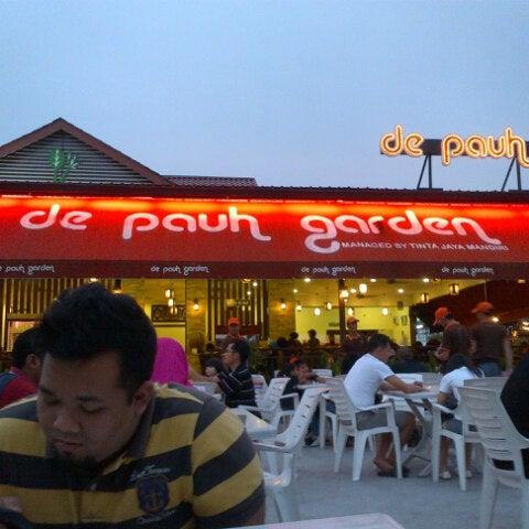 Photo taken at De Pauh Garden Restaurant & Cafe by Hafiz P. on 9/15/2012