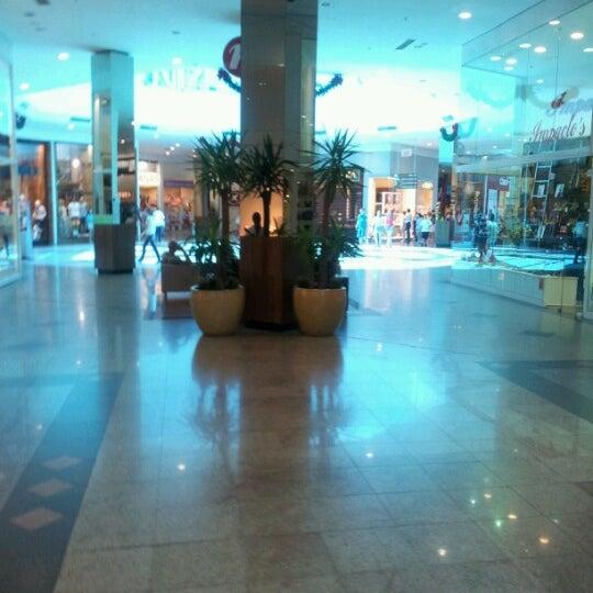 Foto tirada no(a) Shopping Neumarkt por Cibele M. em 11/4/2012