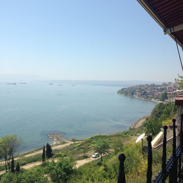 4/30/2013 tarihinde Duygu P.ziyaretçi tarafından Köfteci İbrahim'de çekilen fotoğraf
