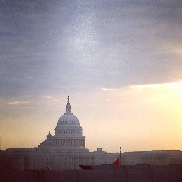 Foto tirada no(a) Newseum por Den R. em 12/4/2012