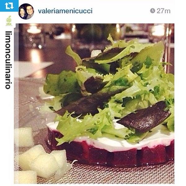 Foto tomada en Limón: Catering, Eventos y Escuela Culinaria por Raymond R. el 1/30/2014