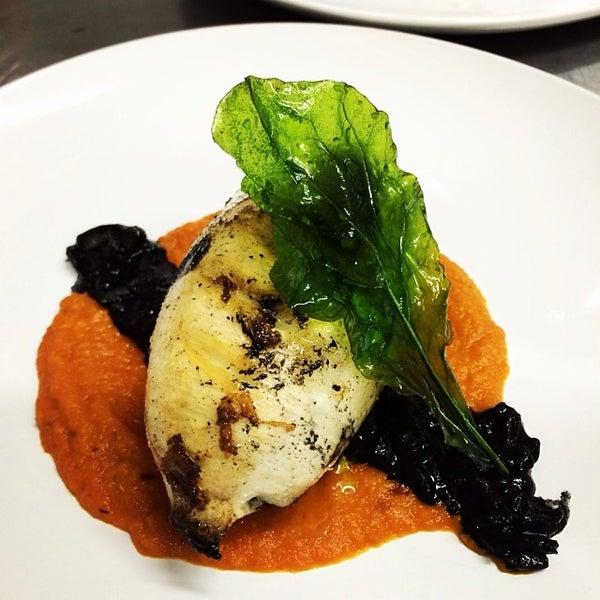 Foto tomada en Limón: Catering, Eventos y Escuela Culinaria por Raymond R. el 2/12/2014
