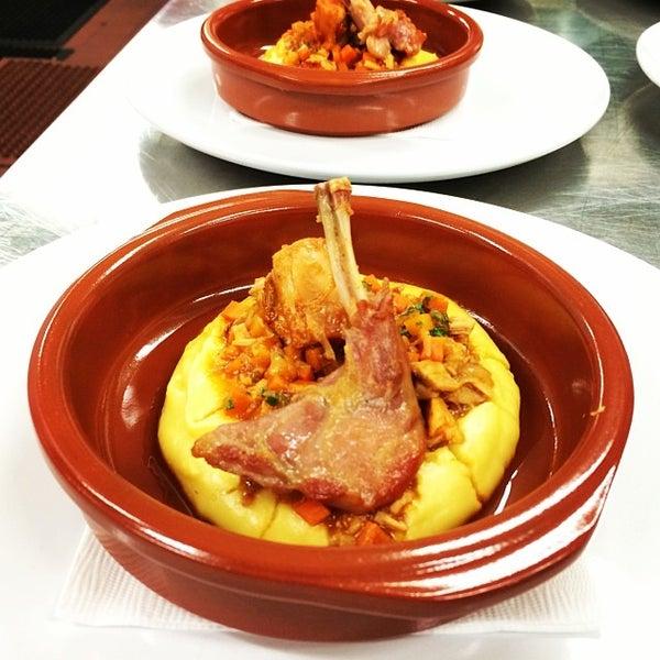 Foto tomada en Limón: Catering, Eventos y Escuela Culinaria por Raymond R. el 2/4/2014