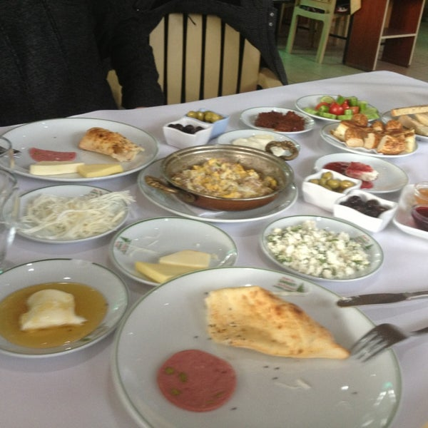 2/14/2013 tarihinde Bahadır C.ziyaretçi tarafından Çamaltı Restaurant'de çekilen fotoğraf