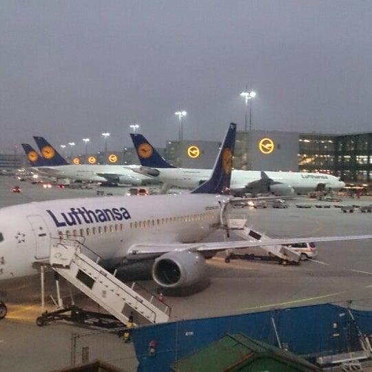 Das Foto wurde bei Frankfurt Airport (FRA) von Roland H. am 11/16/2013 aufgenommen