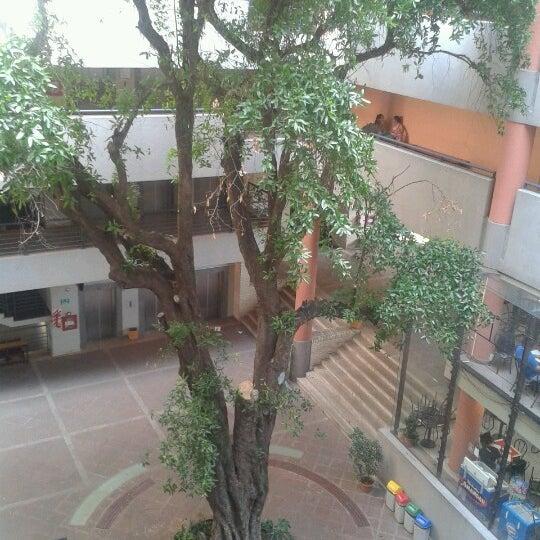 Foto tomada en Universidad Autónoma de Asunción por rosi f. el 11/17/2012