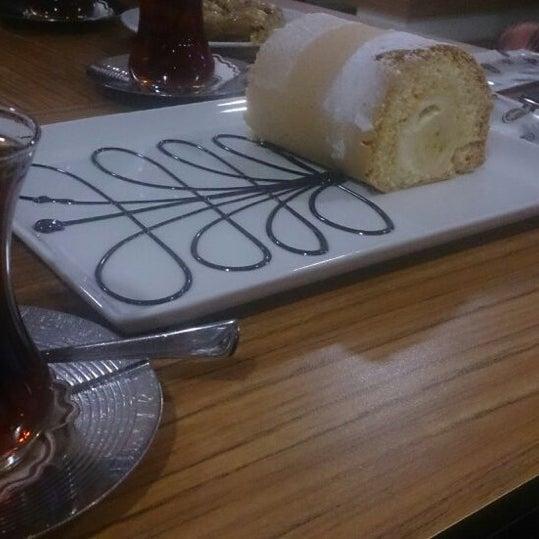 4/11/2014 tarihinde cigdemziyaretçi tarafından Canoğlu Pastanesi'de çekilen fotoğraf