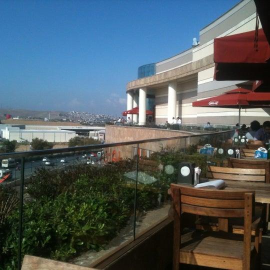 11/3/2012 tarihinde Bahri K.ziyaretçi tarafından Baydöner'de çekilen fotoğraf