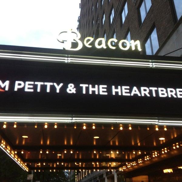 รูปภาพถ่ายที่ Beacon Theatre โดย Sam J. เมื่อ 5/24/2013