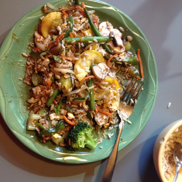Photo taken at HuHot Mongolian Grill by Sunny D. on 11/17/2013