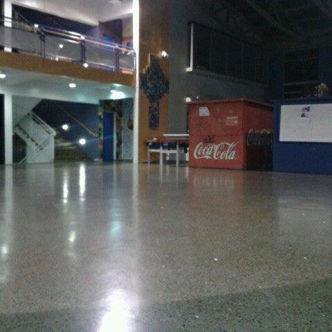 Foto tomada en Colegio San Juan Evangelista por Felix alejandro l. el 4/27/2013