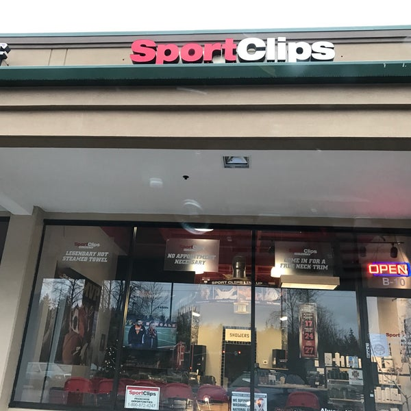 Photos at sport clips haircuts of bellevue east for 7 salon bellevue