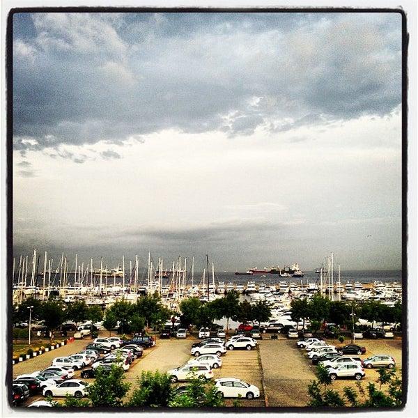 6/13/2013 tarihinde Ibrahim D.ziyaretçi tarafından Ataköy Marina'de çekilen fotoğraf