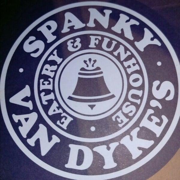 Das Foto wurde bei Spanky Van Dykes von Julie C. am 4/23/2015 aufgenommen