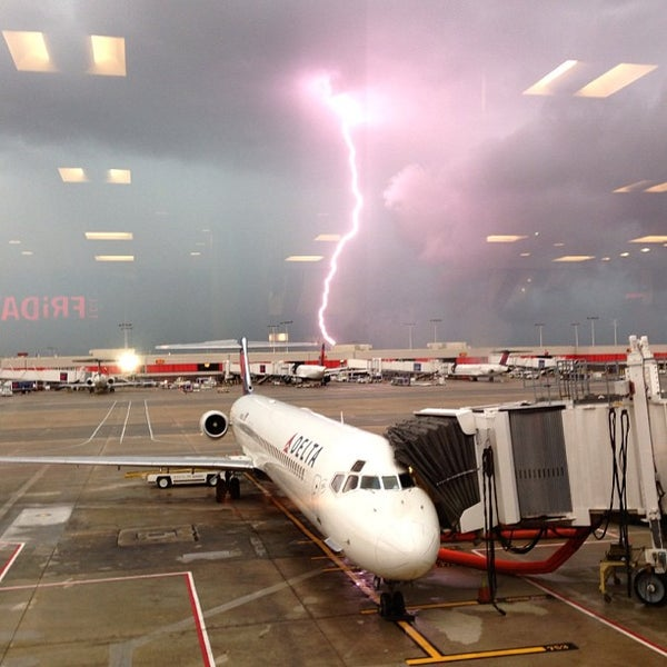 Photo taken at Hartsfield-Jackson Atlanta International Airport (ATL) by Whit on 7/22/2013