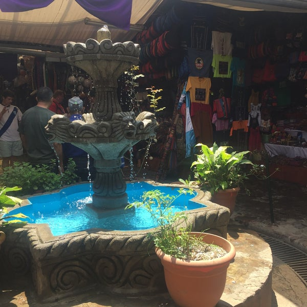 Mercado de artesania terminal panajachel sacatep quez - Artesania de indonesia ...