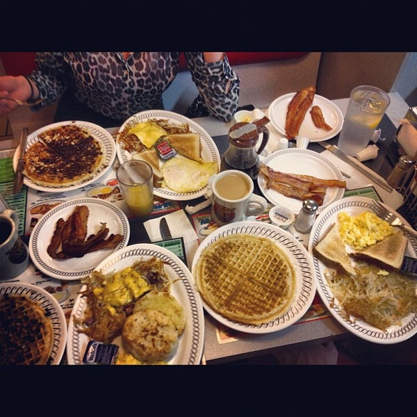 Photo taken at Waffle House by Ben on 10/12/2012