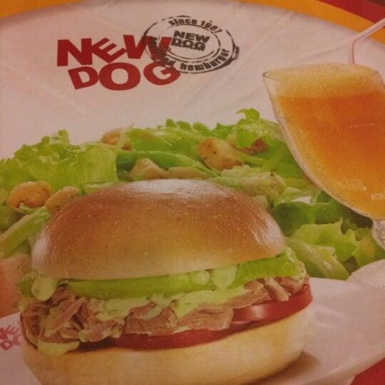 Foto tirada no(a) New Dog por Valeria F. em 12/23/2012