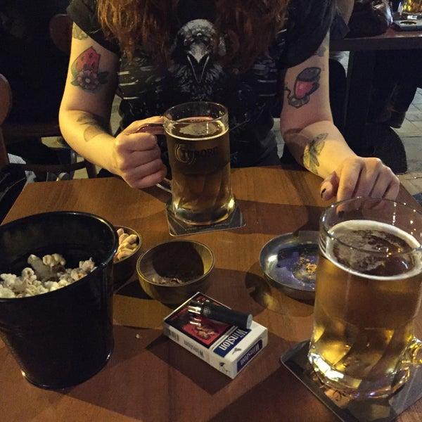 รูปภาพถ่ายที่ Bar-ish โดย Semra D. เมื่อ 4/9/2016