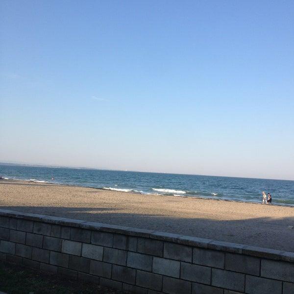 Foto scattata a Централен Плаж Бургас (Burgas Central Beach) da Cimbarly J. il 7/10/2013