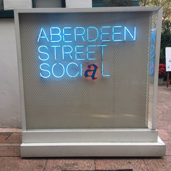 Photo taken at Aberdeen Street Social by Shah A. on 1/1/2017