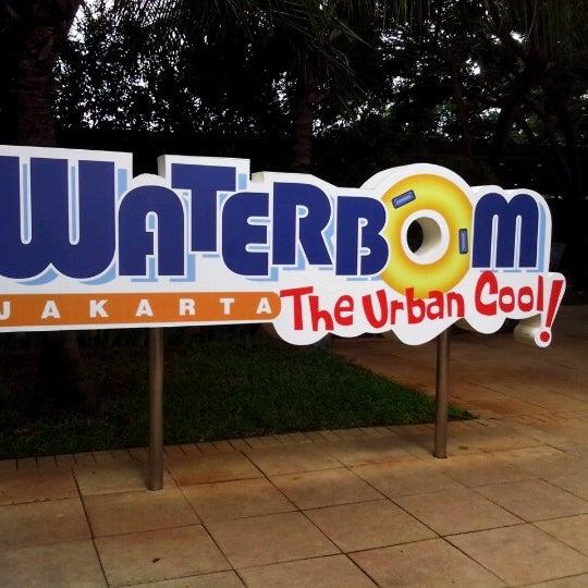 Photo taken at Waterbom Jakarta by Jack Lea J. on 12/26/2012