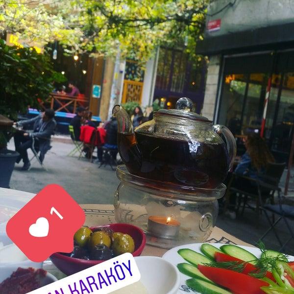 11/26/2017 tarihinde Nur G.ziyaretçi tarafından Pan Karaköy'de çekilen fotoğraf