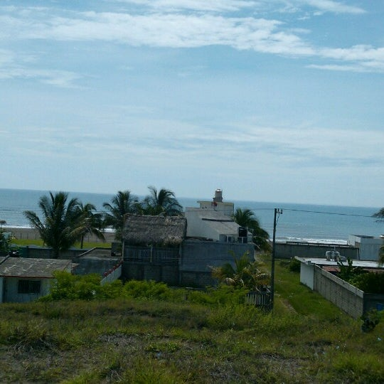 7/4/2013에 raymundo v.님이 Playa Chachalacas에서 찍은 사진