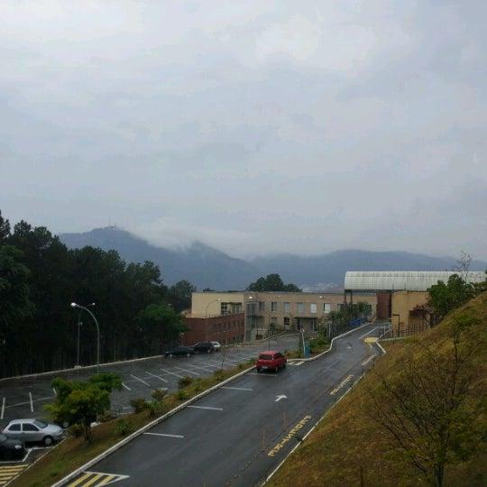 Снимок сделан в PUC Minas пользователем Karol D. 9/20/2012