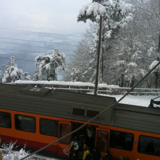 Снимок сделан в Uetliberg пользователем Buket 12/2/2012