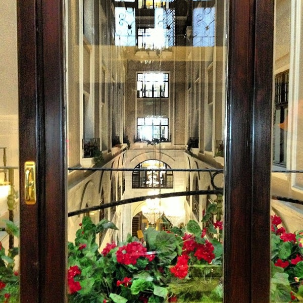 5/16/2013 tarihinde Ekaterina G.ziyaretçi tarafından Legacy Ottoman Hotel'de çekilen fotoğraf