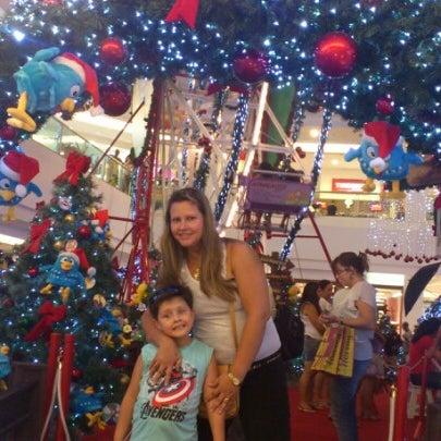 Foto tirada no(a) Via Parque Shopping por Roberto O. em 12/23/2012
