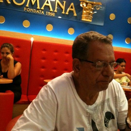 Photo taken at Confeitaria Romana by Petronilha M. on 12/12/2012